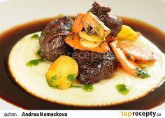Vepřová líčka s česnekem a majoránkou recept - TopRecepty.cz Ham, Pork, Beef, Kale Stir Fry, Meat, Hams, Pork Chops, Steak