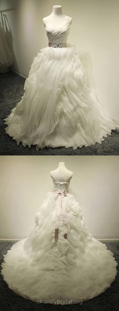 Princess Wedding Dresses V-neck, Organza Beach Wedding Dresses Romantic, Winter Bridal Gowns Vintage