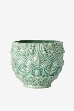 ELLOS HOME Kruka Judit  Vacker, grön, kruka i glaserad keramik med reliefmönster. Ø 20 cm. Höjd 16 cm. Små variationer i färg och storlek kan förekomma.  199 SEK