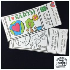 Fun Earth Day mini tabs book with two writing prompts. You can also glue it into a writing notebook. It only uses one sheet of copy paper.  Earth Day Activity | Earth Day Writing