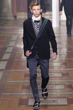 Lanvin Spring 2015 Menswear Fashion Show Lanvin, Vogue Paris, Spring Summer 2015, Spring Summer Fashion, Stylish Mens Fashion, Mens Flip Flops, 2015 Trends, Well Dressed Men, Men Looks