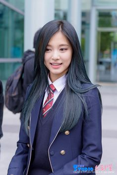 Twice-Tzuyu Congratulation✨ 190212 Graduation day✨ School Uniform Girls, Girls Uniforms, High School Girls, Japanese Beauty, Korean Beauty, Asian Beauty, Pretty Asian, Beautiful Asian Girls, Cute Girl Pic