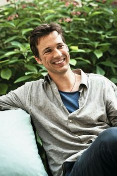 Florian David Fitz, Handsome, Instagram Posts, Mens Tops, Life Hacks, Oc, Movies, Beautiful Men, Beauty