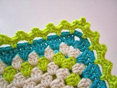 Many Free crochet edging diagram, chart patterns. Crochet Picot Edging, Crochet Boarders, Crochet Edging Patterns, Crochet Squares, Crochet Motif, Crochet Hooks, Granny Squares, Blanket Crochet, Blanket Patterns