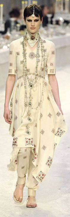 ❤❤ Copyrights unknown. India Influence - Chanel's Paris-Bombay Pre-Fall 2012 2013 collection.