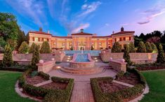 This incredible mega mansion is located in Sandhurst, Sandton, Gauteng, Johannesburg, South Africa. Mega Mansions, Mansions For Sale, Luxury Homes Interior, Home Interior Design, Waterfall Design, Million Dollar Homes, Expensive Houses, Dream House Exterior, Maine House