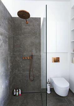 Scandinavian minimalist bathroom with copper fixtures. Photo: Andreas Mikkel… #homeideas #SmallBathrooms #bathroomideas