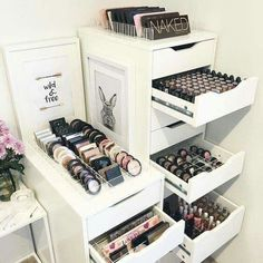 LOVING our divider sets which provide storage for both the IKEA Alex 5 and 9 drawer units. There are 3 styles of dividers to choose from. - The VC 5 drawer dividers are for the Alex 5 drawer unit. Makeup Desk, Makeup Rooms, Diy Makeup, Makeup Tips, Makeup Products, Beauty Makeup, Beauty Products, Makeup Tutorials, Ikea Hacks Makeup Vanity