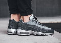 Raiders Fans Need To Pick Up These Air Max 95s