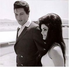 During the filming of Viva Las Vegas, Elvis began an affair with his co-star Ann-Margret.