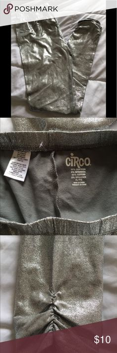 Circo girls leggings. Silver. Size XL Silver leggings  Ruched at Sides New Ver worn Size XL Circo Bottoms Leggings