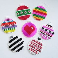 Christmas baubles hama beads by husochbus Melty Bead Patterns, Pearler Bead Patterns, Perler Patterns, Beading Patterns, Perler Bead Templates, Diy Perler Beads, Perler Bead Art, Beaded Christmas Decorations, Christmas Perler Beads
