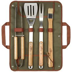 A beautiful BBQ set presented in a khaki canvas cover, with handles. The case includes a spatula, two-ponged folk, basting brush and tongs for the perfect party with family and friends.