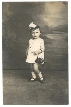 dama.1920.