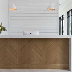 Office Reception Design, Salon Reception Desk, Modern Reception Desk, Reception Areas, Medical Office Design, Pharmacy Design, Modern Office Design, Modern Offices, Healthcare Design