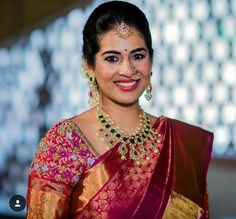 Markings For Gold Jewelry Fancy Blouse Designs, Bridal Blouse Designs, Gold Jewelry Simple, Gold Jewellery, Diamond Jewelry, Indian Bridal Outfits, Bride Portrait, South Indian Bride, Saree Wedding