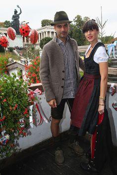 Guardiola y su mujer, Cristina, brindis español en el Oktoberfest