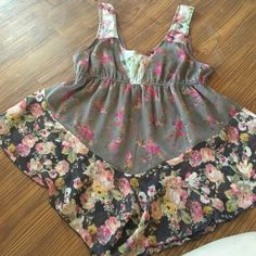 Flower print tank top Tank top  with flour print brown pinks purples white Band of Gypsies Tops Tank Tops