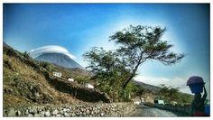 """Nome: """"A kukuruta """"  Localização: Cabo Verde, Fogo, Santa Catarina, Cova Figueira  Séria: Natureza    Comentários: Expressão cabo-..."""
