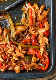 No more rubbery and dried out baked chicken! With one simple trick, these oven baked chicken fajitas are SO juicy and flavorful like no other.