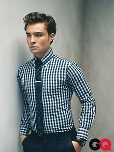 Chuck Bass style [Ed Westwick] GQ Magazine Gossip Girls, Blair Waldorf, Ed Westwick Gossip Girl, Gorgeous Men, Beautiful People, Girl Falling, Check Shirt, Dapper, Preppy