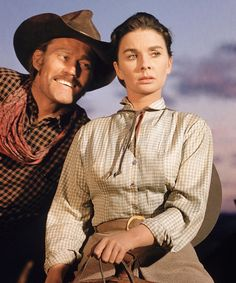 Chuck Connors Jean Simmons in The Big Country