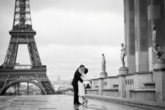 Paris engagment photo shoot. Photography by Paris photographer [Pierre Torset]