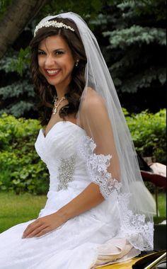 Fingertip Wedding Veil with Beaded Lace Edge V1556 - Affordable Elegance Bridal -