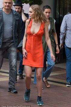 Lily-Rose Depp Lily Rose Depp Style, Lily Rose Melody Depp, Stage Outfit, Lily Depp, Orange Dress, Star Fashion, Celebrity Style, Summer Outfits, Celebs