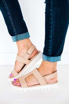 5106e7941dd86 The PERFECT summer sandal! 👌🏼 Beige T-Strap Platform Sandal T Strap