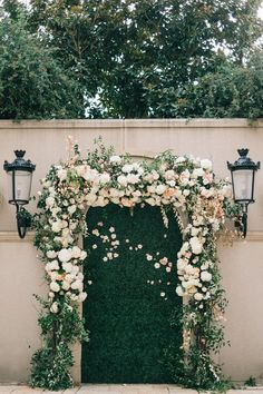 2019 Wedding ceremony Tendencies Boxwood Wall with Flower Arch Ceremony Backdrop Flower Wall Wedding, Garden Wedding, Wedding Flowers, Wedding Greenery, Prom Backdrops, Wall Backdrops, Prom Decor, Wedding Decor, Wedding Ideas