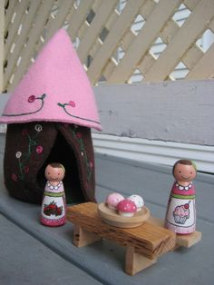 peg dolls with house