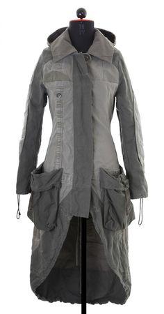 mayer-berlin.com - it's a coat! it's a raincoat! it's a dress! it's .... well, it's on this board now