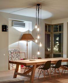 Tableau en bois contemporaine tabourets Eames