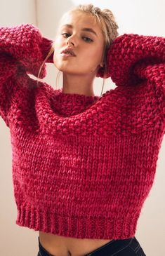 Make a bold fashion-statement in the Fancy Swirl Sweater by Lost + Wander. Made from a chunky knit fabric, this cozy sweater is complete with long sleeves, crew neckline, and a boxy fit. Knitting Designs, Knitting Patterns, Free Knitting, Crochet Stitches For Beginners, How To Purl Knit, Knit Fashion, Pull, Knitwear, Knit Crochet