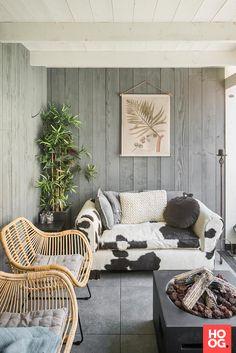 Poster in veranda Outdoor Sofa, Outdoor Spaces, Outdoor Living, Outdoor Decor, Beach Lounge, Kids Couch, Porch Veranda, Garden Buildings, Outside Living
