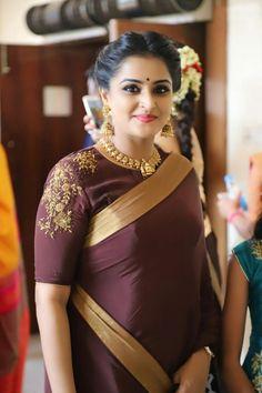 35 Stylish high neck blouse designs for pattu sarees Blouse Designs High Neck, Silk Saree Blouse Designs, Saree Blouse Patterns, Fancy Blouse Designs, Bridal Blouse Designs, Stylish Blouse Design, Elegant Saree, Bikini, Indian Sarees