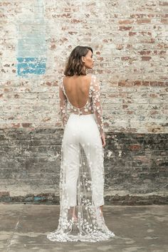 52 Super Ideas For White Bridal Shower Outfit Rehearsal Dinners Wedding Robe, Wedding Jumpsuit, Civil Wedding, Wedding Attire, Wedding Gowns, Lace Wedding, Wedding Outfits, Wedding Rehearsal Outfit, Bridal Shower Bride Outfit