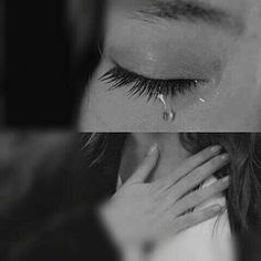 Kara Sevda Emotional Photography, Portrait Photography Men, Dark Photography, Crying Eyes, Crying Girl, Crying Aesthetic, Sad Pictures, Sad Art, Sad Love Quotes