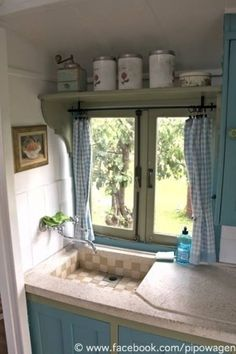 Vacation Rentals, Accommodations, Experiences & Places - Airbnb - View this fantastic ad on Airbnb: Romantic pipowagen near Tiel – Bed & Breakfasts for Rent in Zen - # Quirky Home Decor, Fall Home Decor, Home Decor Kitchen, Country Kitchen, Vintage Home Decor, Cheap Home Decor, Home Decor Bedroom, Modern Outdoor Kitchen, Country Interior