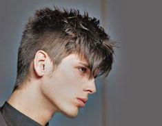 Cortes de pelo para hombre, ¡apuesta por el flequillo!  #peinado #hombre #flequillo #tendencias #trending #hombre