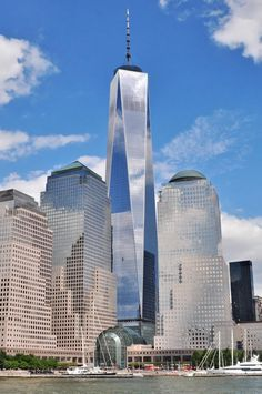 One World Trade Center. NYC. Skidmore, Owings Merrill/ Daniel Libeskind, David Childs. 2006-13. 1776 ft tall.