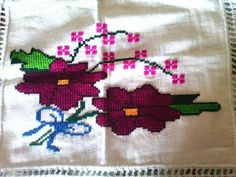 Projects To Try, Cross Stitch Heart, Napkins, Hearts, Salud, Dots, Crafts