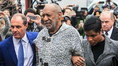 Bill Cosby se presentó ante el tribunal y pagó la fianza para defenderse en libertad.