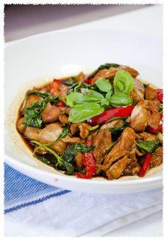 Easy Thai Basil Stir Fry Chicken | Asian Thai Recipes