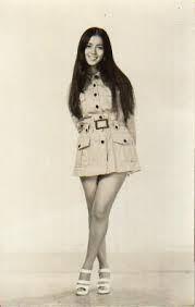 「南沙織」の画像検索結果 Cute Girl Outfits, Popular Music, 70s Fashion, Girl Power, Cute Girls, Pop Culture, Idol, Mini Skirts, Asian