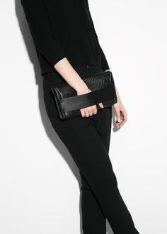 Snake-finish flap clutch - Women | MANGO