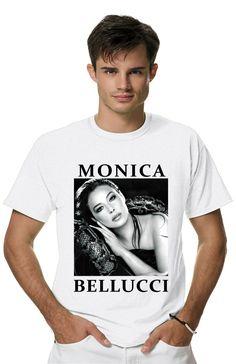Футболка MONICA BELLUCCIиз коллекции PERSONA пропитана настоящим духом свободы и стиля! Мужская футболка с прикольным принтом