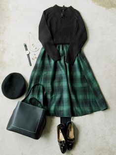 That's a mini skirts attached in a calm method utilizing a casual top. Fashion Mode, Japan Fashion, Modest Fashion, Skirt Fashion, Korean Fashion, Fashion Outfits, Womens Fashion, Winter Skirt Outfit, Casual Skirt Outfits