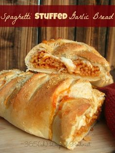 Spaghetti Stuffed Garlic Bread – Simple and Seasonal Spaghetti and creamy mozzarella stuffed inside a freshly baked garlic loaf. Your kids will love this! Italian Recipes, Beef Recipes, Cooking Recipes, Recipies, Pasta Recipes, Baked Garlic, Garlic Bread, Beignets, Croissants